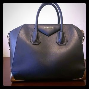 Rare Givenchy Antigona (Medium) with gold accents